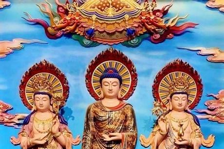 Đọc Kinh Phật để làm gì? Phật, Bồ Tát có nghe chúng ta đọc Kinh không?