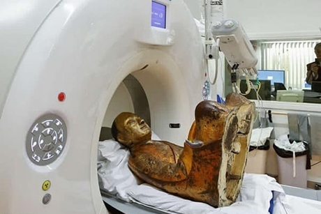 Đưa tượng Phật cổ đi quét CT, kết quả khiến mọi người sửng sốt