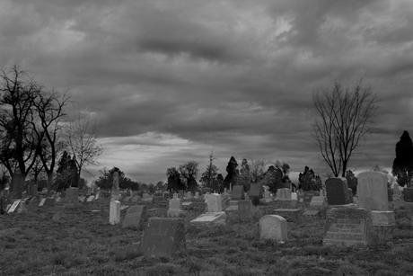 Tại sao nơi chôn người chết lại gọi là BÃI THA MA?