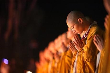 Top 4 bài khấn SÁM HỐI tại chùa, tại nhà hàng ngày